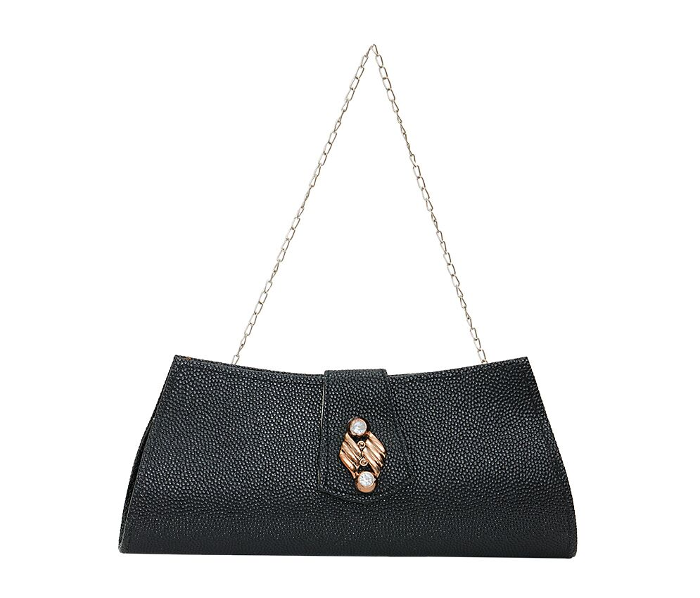 That's why the perfect women's clutch bag is a wardrobe essential for first dates and spring weddings. But just like a good man is hard to find, so is a designer clutch purse that fits your style personality, budget and body type.