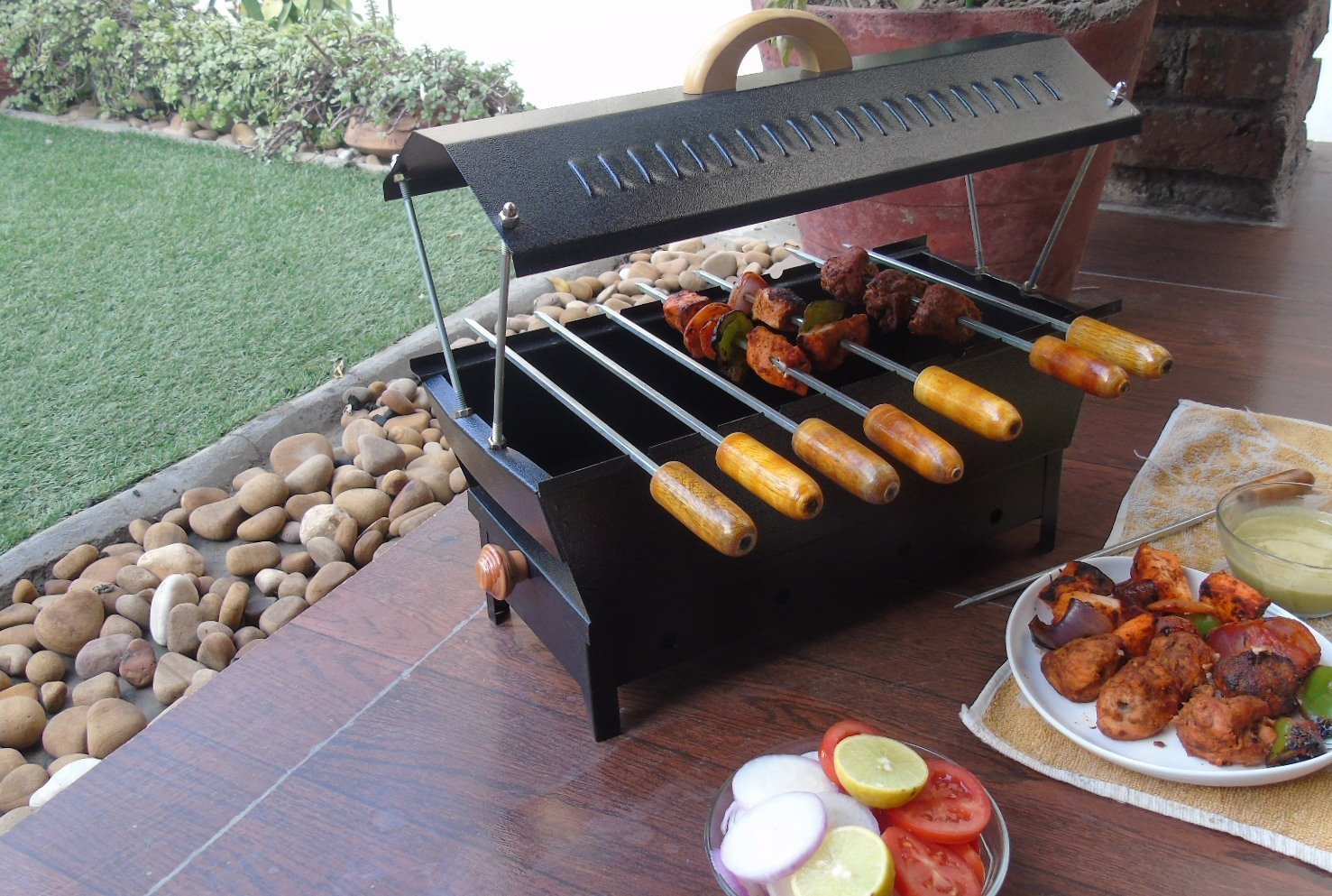 Arts Metallic Charcoal Grill