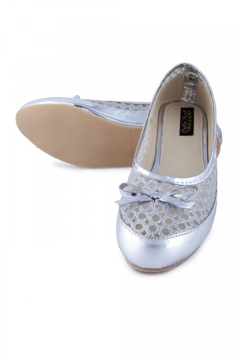 Cute Feet Stylish Silver Color Bellies For Girls