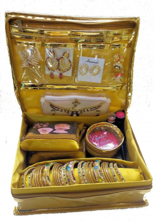 Golden Jewellery Box For Womens