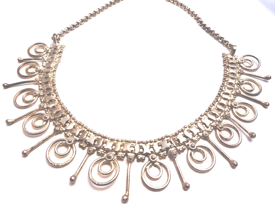 Body TantraFancy Necklace For All The Fun Loving Girls ETN-103