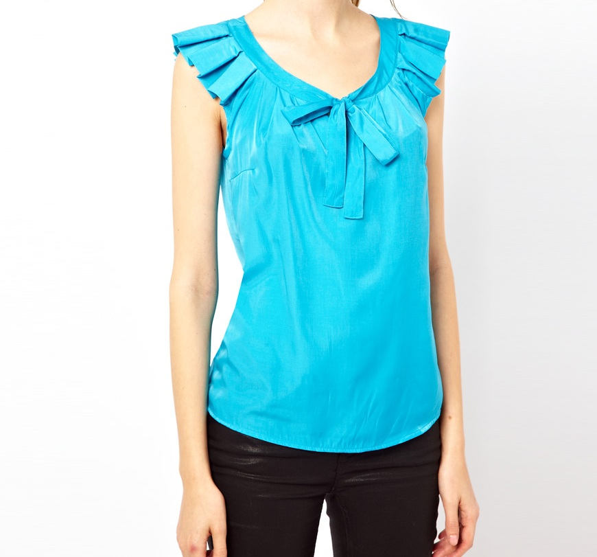 Browse women's blouses and discover every style that you can think of. Be bold by trying new patterns, flowing fabrics, sheer paneling, different sleeve lengths, sleeveless blouses .