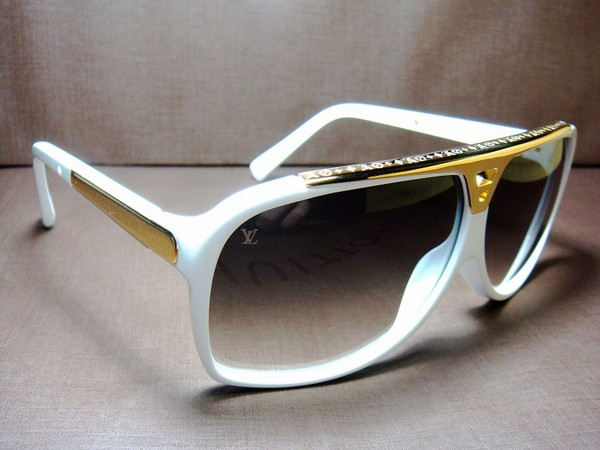932739f6112 Louis Vuitton Evidence Shades Price