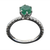The Rustic Charm Emerald Nice Ring In 18 Kt White Gold