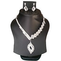 Yamiarts Mannat Alloy Neckless Set With Earring In High Quality Silver Plated Made Of High Quality Alloy Metal