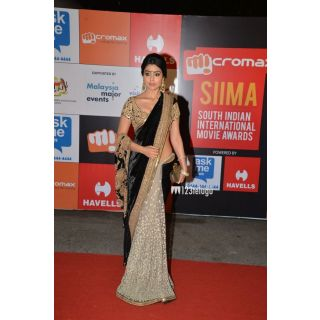 Shriya Saran Velvet Machine Work Black Bollywood Style Saree