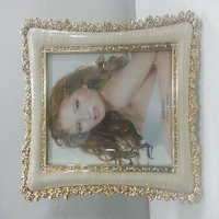 plastic flower goldern photo frame