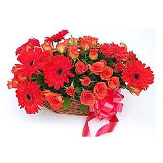 Designer Basket of Fresh Gerbera Roses Flowers DL3FLW261