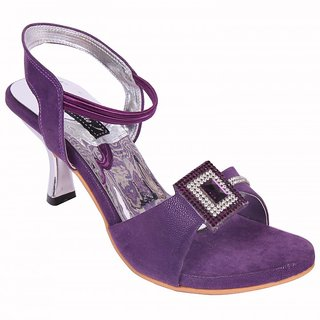 Smalto Purple Squar Chain Hard Buttom Party Wear Sandal For Women
