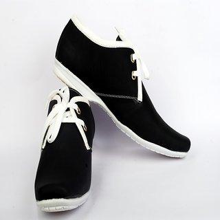 MZone Classic Black Sneaker