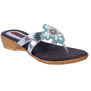 Amora Silver Medium Heel Thong Faux Leather Flat For Women