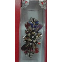 Hair Pin With Multi Colour  And   Made Upof Metal Suitable For Daily Use As Well