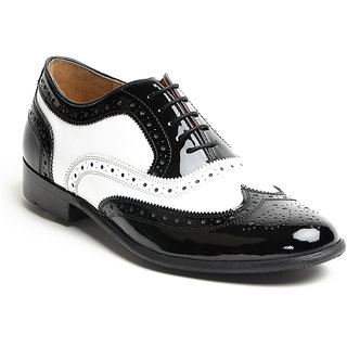 Tomahawk Oxford Two-Tone Classic Wingtip Party Wear In Patent Leather Shoe - Bla