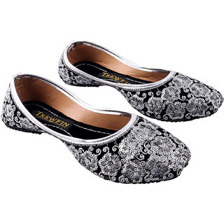 Trewfin Silver Flat Round Toe Covered Back Ballerinas For Women