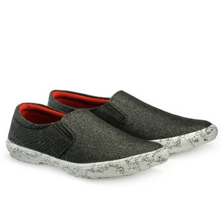 Juandavid MenS Black Slip On Casuals Shoes (S-138 Black)
