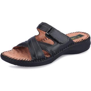 G-One Women 7 Black Sandals