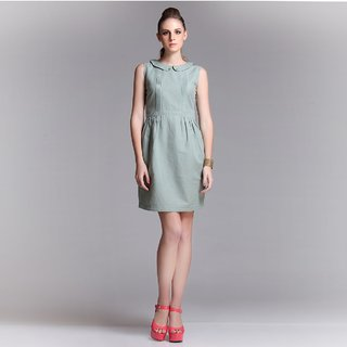 Linen Dress With Subtle Tuck Details Design 2