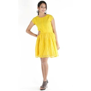 Urbane Woman Yellow Box Pleat In Front With Lace Fabric Bottom