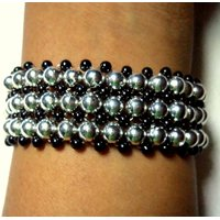 Black And Silver Color Pearl Bracelet - 4563374