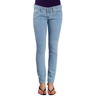 Levis Slight Curve Skinny Jeans - Light Blue