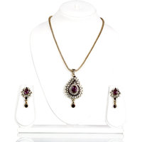Bhurri'S Kundan Pendant Set With Purple Studded Diamonds (Purple)