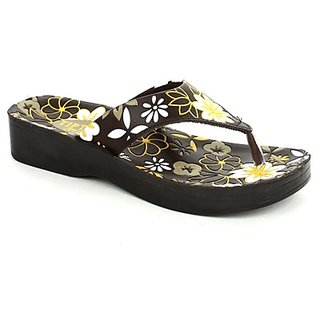 Tiptopp Stylish Women Brown Casual Slippers