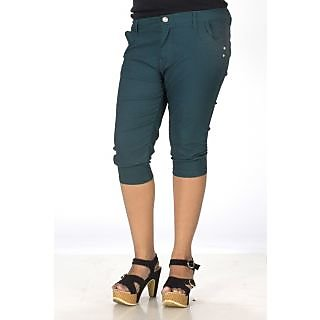 TrendBAE Cotton Capri - Green