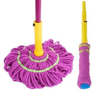 Retractable twist water mop