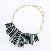 Cilver Fashion Green And Gold Statement Necklace