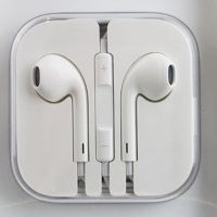 IPhone 5 Ear Pods With Remote And Mic AUX Cable Free