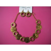 STYLISH UNIQUE DESIGN GOLDEN METALIC COIN NECKLACE WTH EARINGS RDY 2 ATTEND PARY