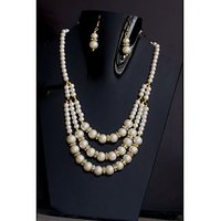 Stylish 3 Layr Off White Pearl Set