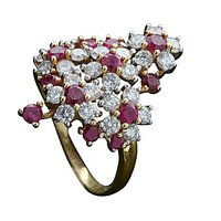 Flower Bunch - A Diamond And Ruby Ring In 18 Kt Yellow Gold - 74198614