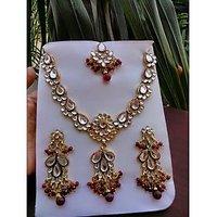 Kundan Necklace With Earrings And Maang Tikka - 74349558