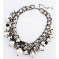 Al's Chunky Pearls Necklace