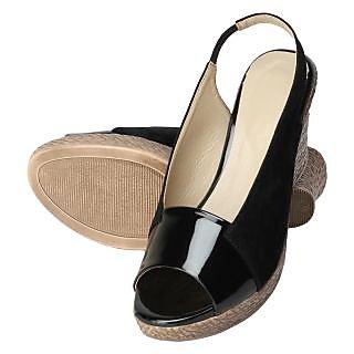 Niremo Women's Sleek Fleet Black Patent Wedges