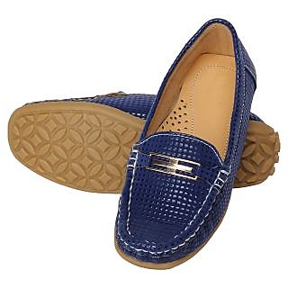 Niremo Women's Up To The Minute Blue Faux Leather Loafers