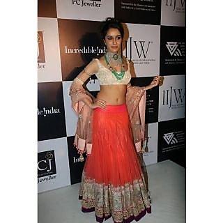 Shraddha Kapoor Red Lehenga The Anmol Jewellers At Iijw