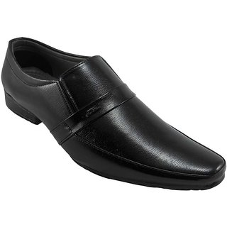 B3trendz Exclusive Black Slip-on Formal Shoes For Men