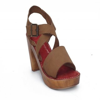 Leather Slip On In Tan Color HML684