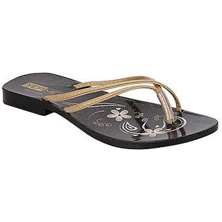Yepme Women's Black & Beige Sandals