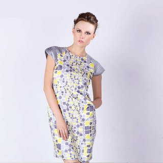 Geometric Printed Dress With Pleated Raglan Sleeves