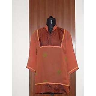 DESINGER KURTI GEORGATTE HAND BLOCK PRINTED TOP WITH SILK ON YOKE & BOTTOM